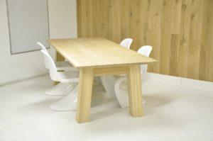 eiken tafels, eiken tafel, eikenhouten tafel, tafel op maat, tafel met schuine poten, massief eiken tafel, houten tafel, tafel van hout, tafel van eiken hout